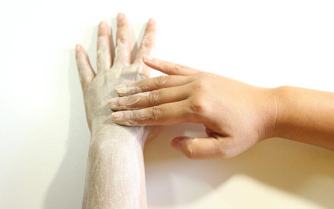 Peeling origini e benefici per la pelle