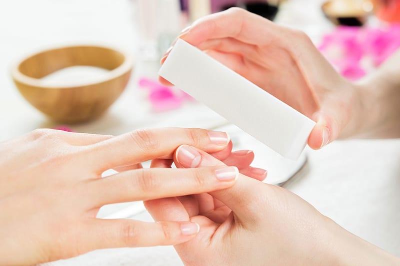 Un estetista tradizionale offre servizi di pedicure estetica o completa e di manicure. Estetica Prisca è facilmente raggiungibile da Lugano, Melide, Paradiso, Mendrisio e Melano.