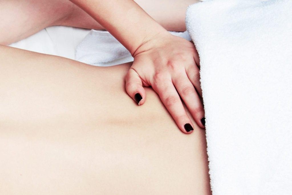 La salute della schiena è importante. Il metodo Dorn-Breuss consiste in due tecniche di massaggio per curare problemi alla schiena. Estetica Prisca è facilmente raggiungibile da Lugano, Melide, Paradiso, Mendrisio e Melano.