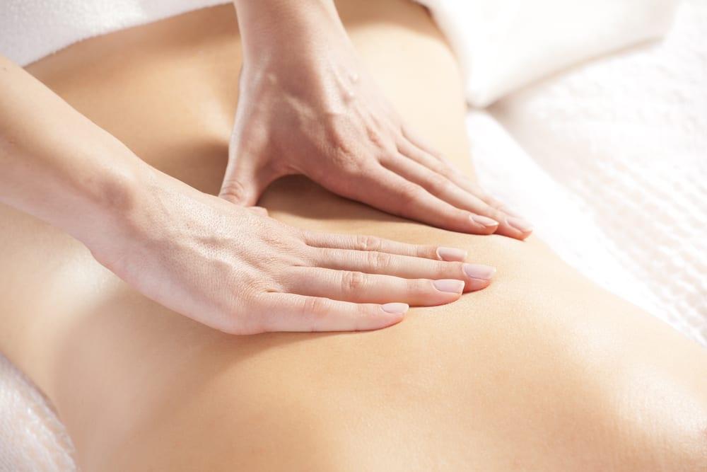 Con il massaggio Dorn-Breuss il ricevente spesso cade in uno stato di torpore e non raramente si addormenta. Estetica Prisca è facilmente raggiungibile da Lugano, Melide, Paradiso, Mendrisio e Melano.